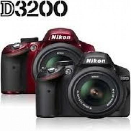 Digitalni Fotoaparat Nikon D3200 + AF 18-105mm VR